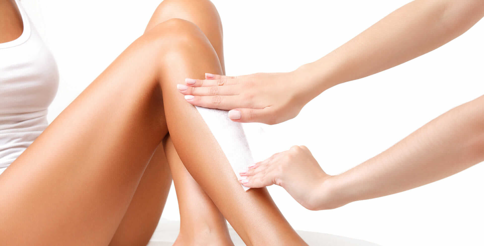 female-model-having-legs-waxed